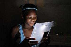 luminaid-inflatable-light-cando-haiti