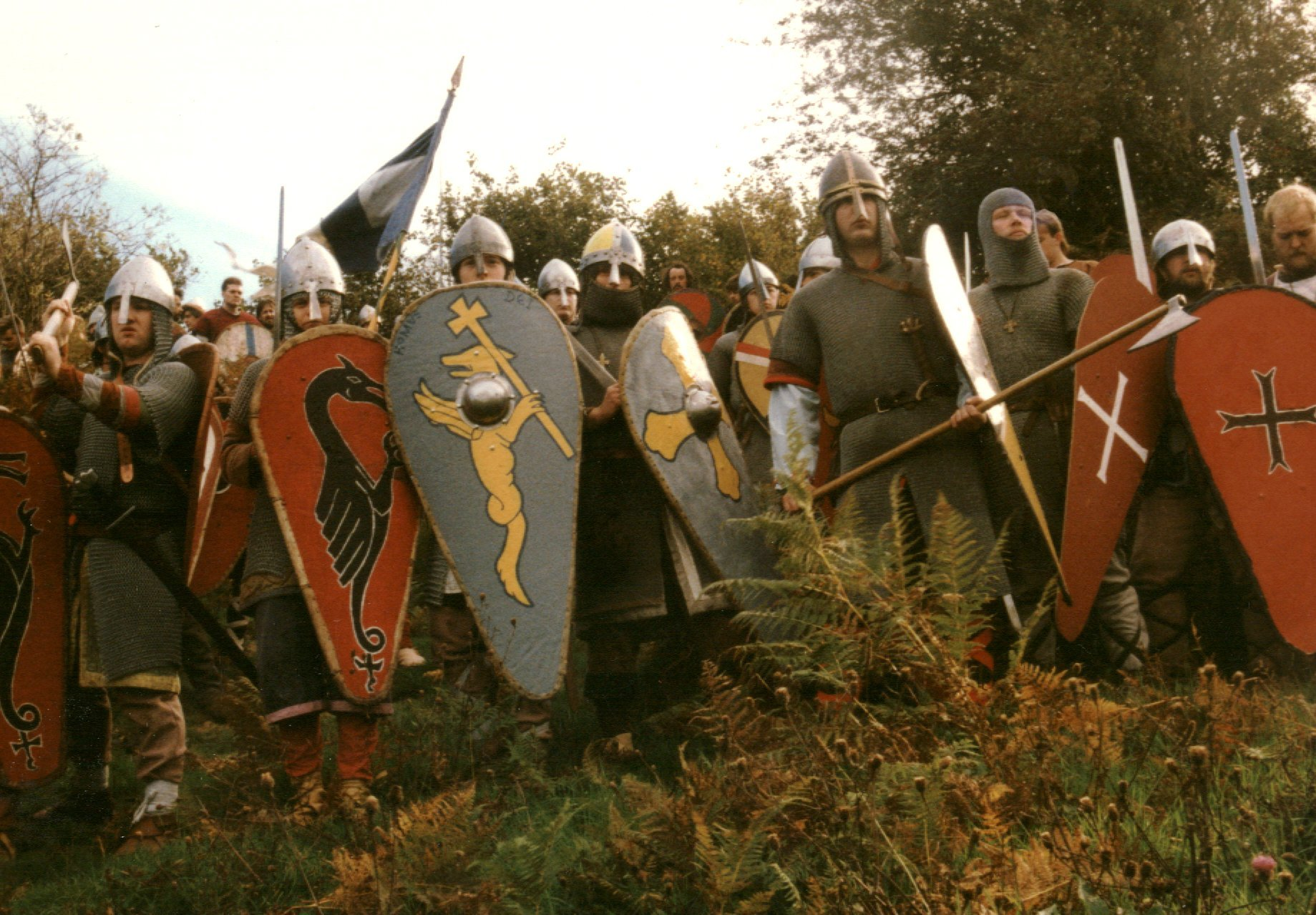the development of knights and knighthood in the old english society Around the anglo-saxon magnates were collected a crowd of retainers  in early  society, where the army is not a paid force but the armed nation,  from a very  early stage in the development of chivalry, however, we meet.