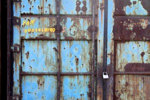 205-Russia-Vladivostok-Rusted_blue_shipping_container