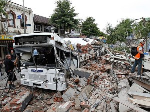187968-colombo-street-christchuch-after-the-february-2011-earthquake