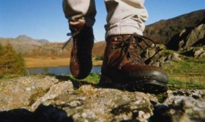 difference-hiking-shoes-hiking-boots